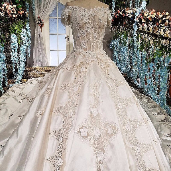 64ee2a0855 Satin Wedding Dress Ball Gown Sweetheart Beading Short Sleeves Appliques  Court Train Lace Up Casamento Dress