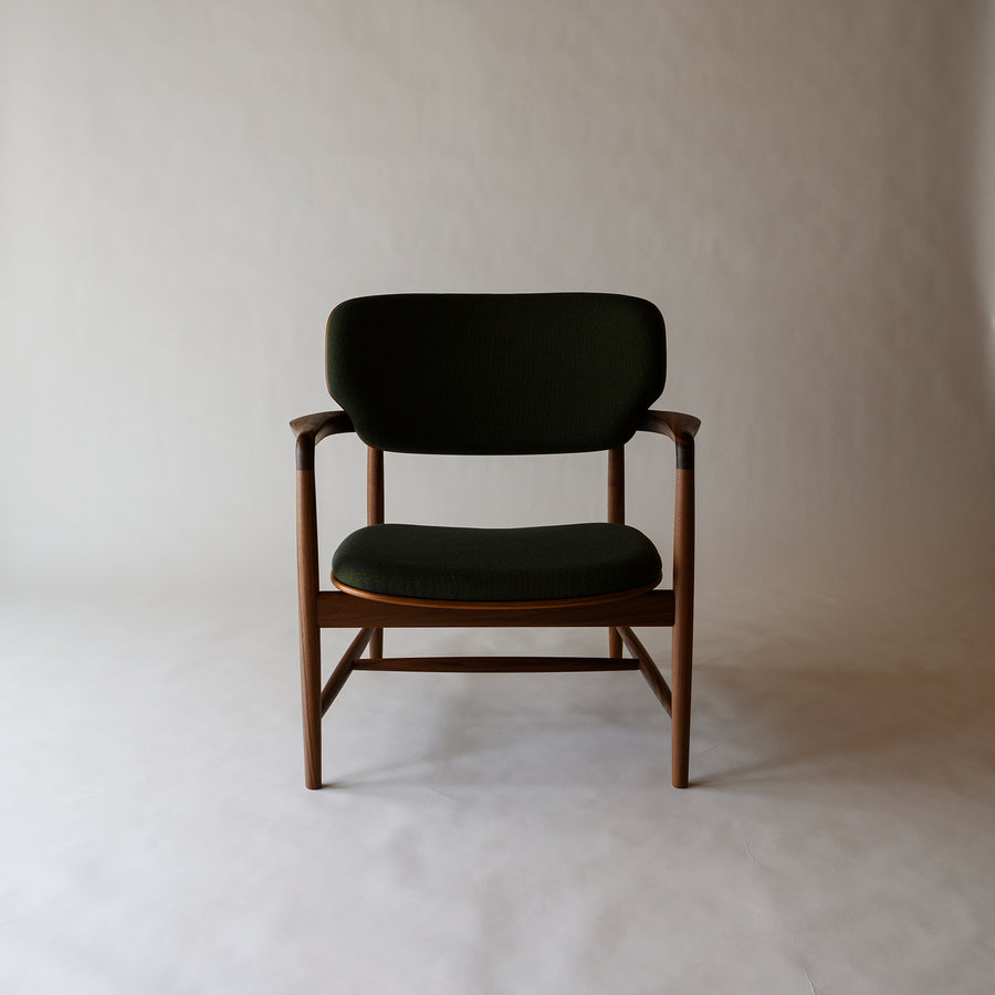 Meguro Lounge Chair- Walnut with Leather