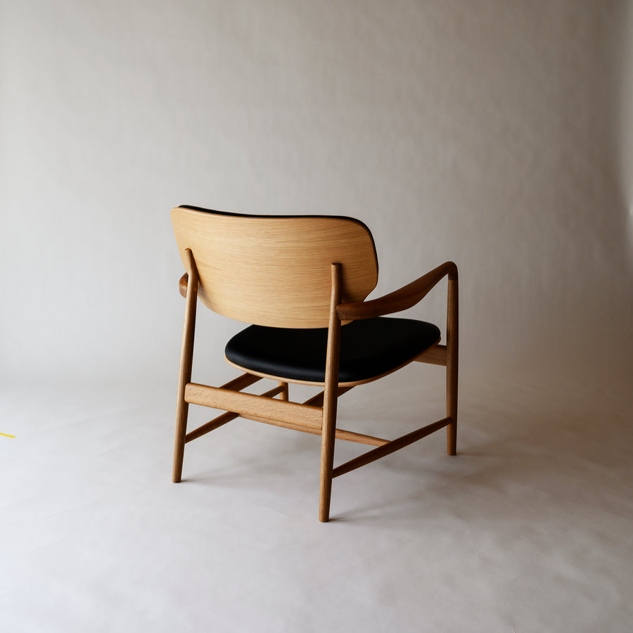Meguro Lounge Chair- Oak with Leather