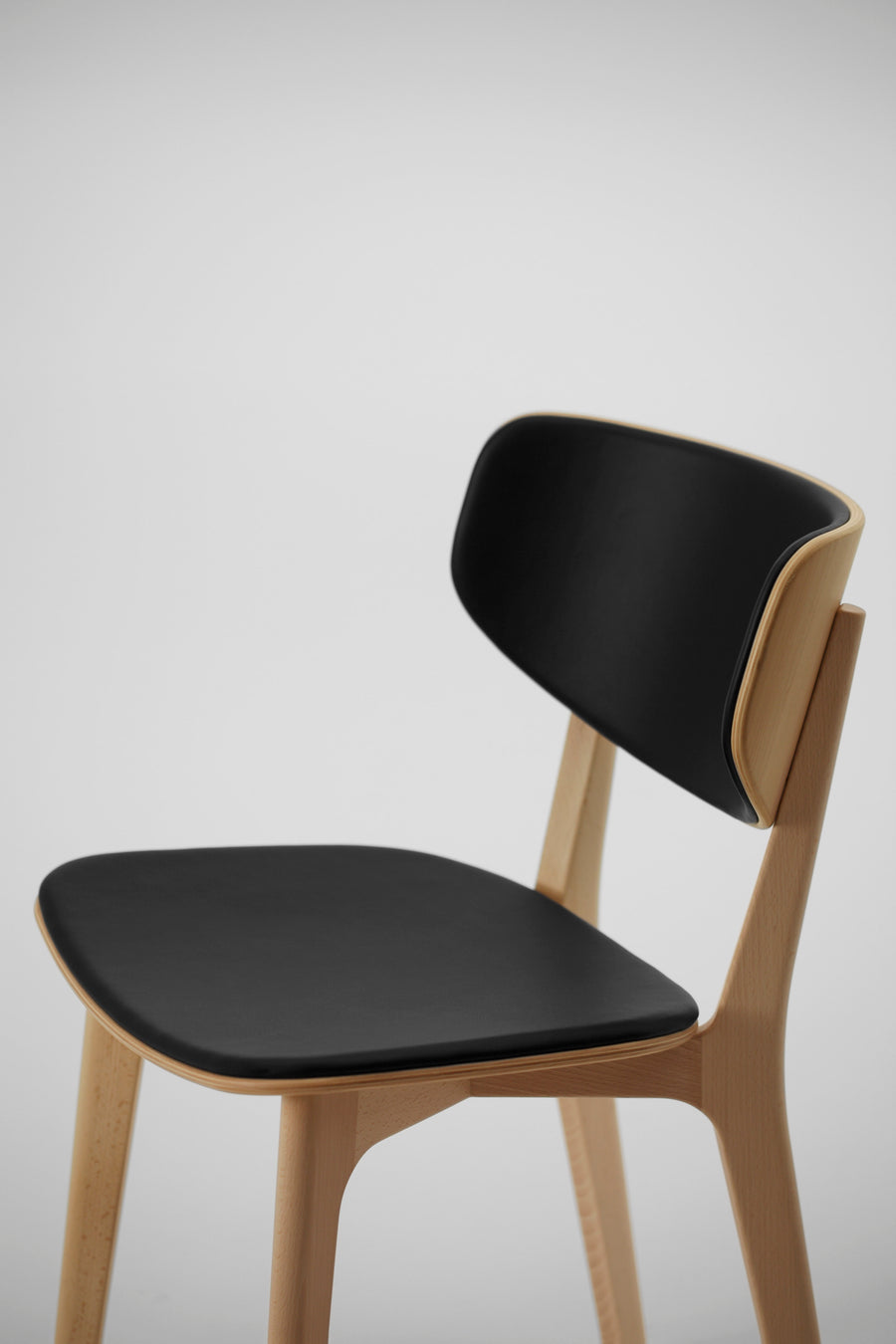 Roundish Chair - Cushioned Seat - atomi shop