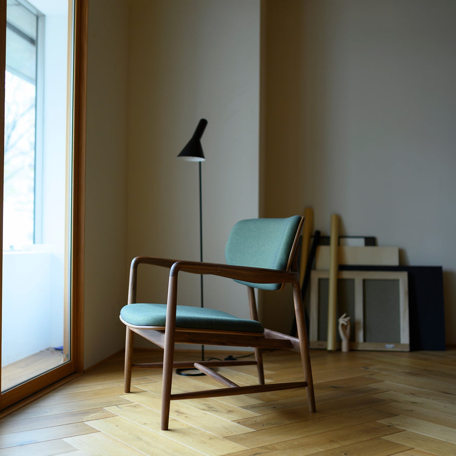 Meguro Lounge Chair- Oak with Fabric