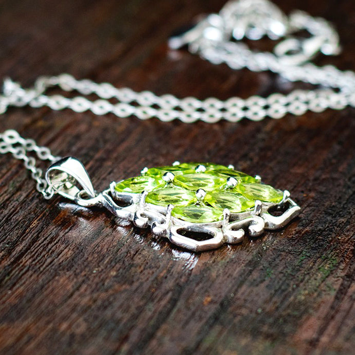 Our favourite gemstone list: learn about Peridot stone