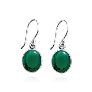A simple design, which exhibit deep rich green Agate gemstones, crafted into smooth sterling silver settings.