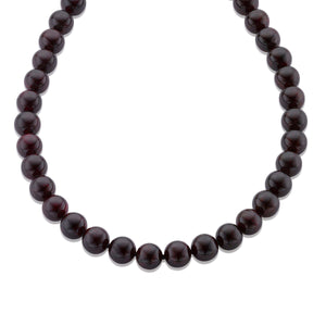 Single row Garnet gemstone necklace finished off with a 925 Sterling Silver claps