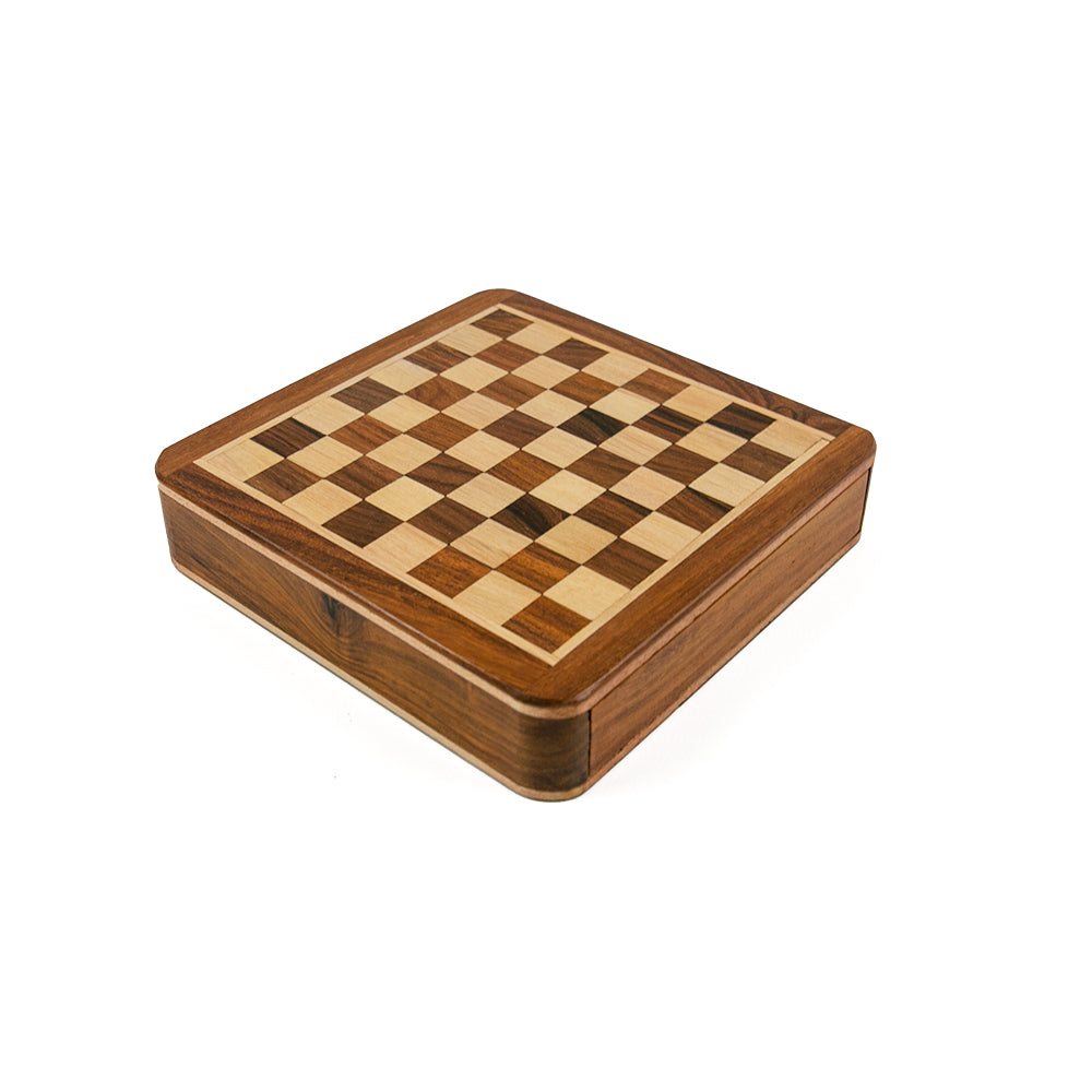 Trinity magnetic chess set with square board and drawer
