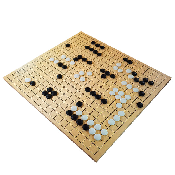 Folding go board in plywood with glass stones