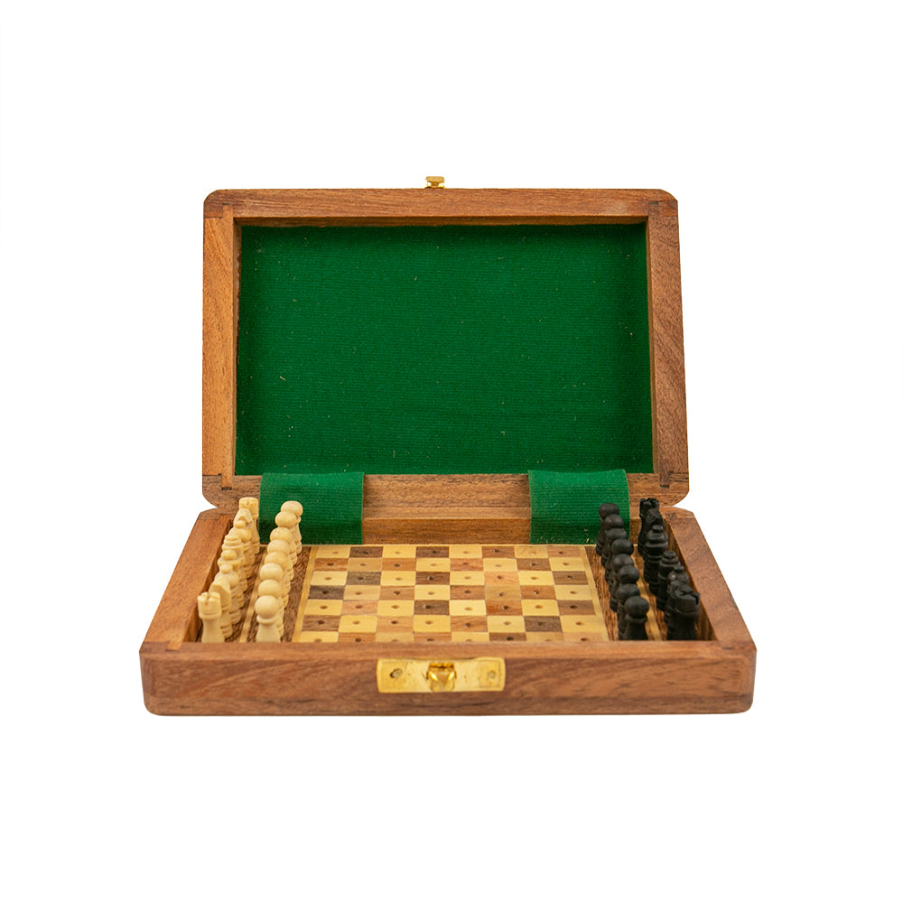 Bristol peg chess set with square board and drawer