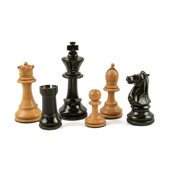 Staunton style chess pieces in weighted ebonised lacquer and boxwood - Early 1900s