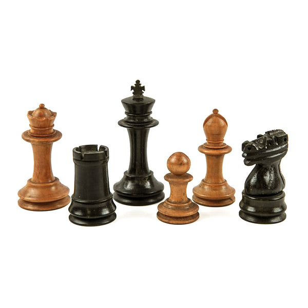 Staunton style chess pieces in unweighted ebony and boxwood - 1900s