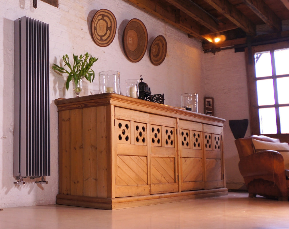 The Finn is a radiator withclean lines, crisp elegance and classic form from Bisque