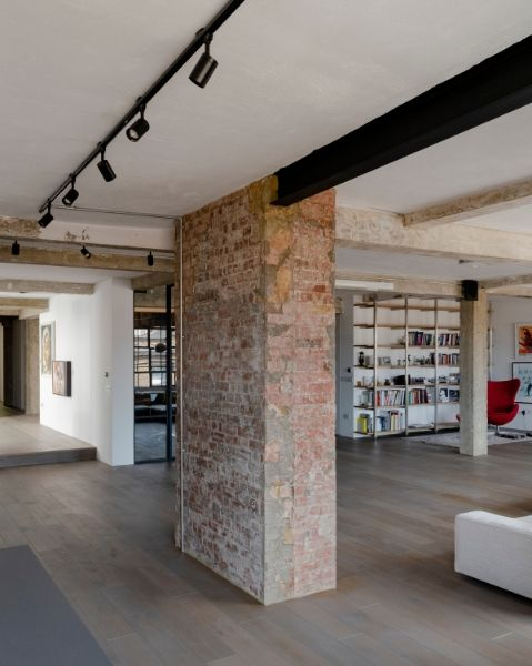 This converted warehouse home by William Tozer Associates is in a former industrial building in Clerkenwell