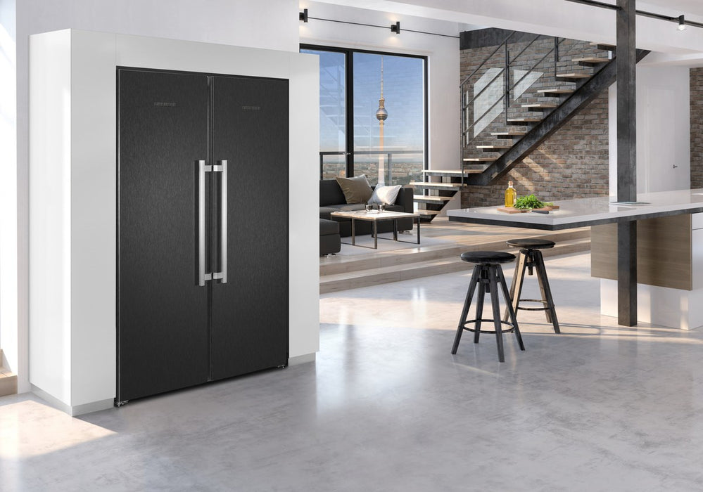Liebherr SBSbs8683 Premium BioFresh NoFrost Side-by-Side Fridge Freezer in Black Steel