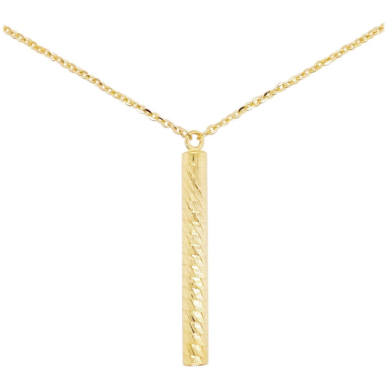Gold Bar Pendant Necklace in 14K Yellow Gold