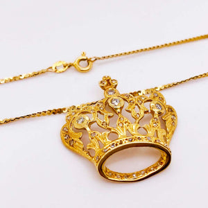 Diamond Crown Pendant in 14 Karat Gold with Flat S-Chain Queen Necklace Choker