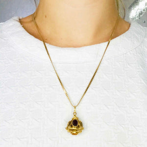 Pyramid Pendant & Serpentine Chain Necklace
