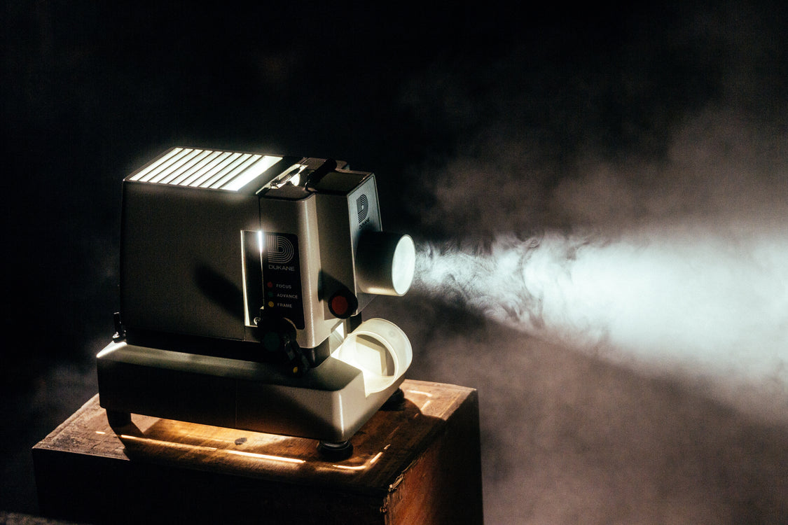 How to choose a projector; a guide with ranking important specs