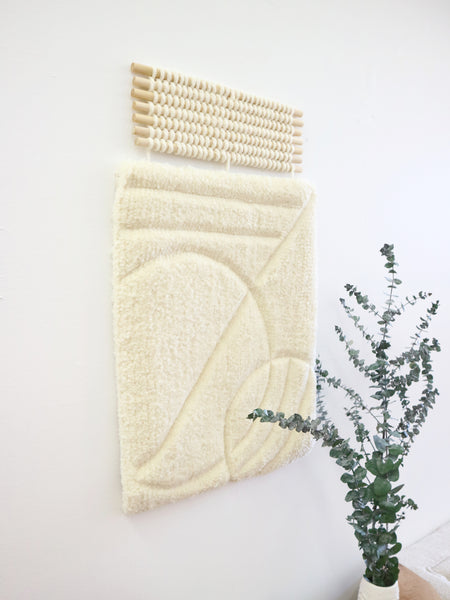|CURVY| Sculpted tufted tapestry
