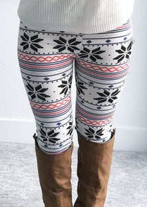 Snowflake Staying Next to the Fireplace Leggings- White
