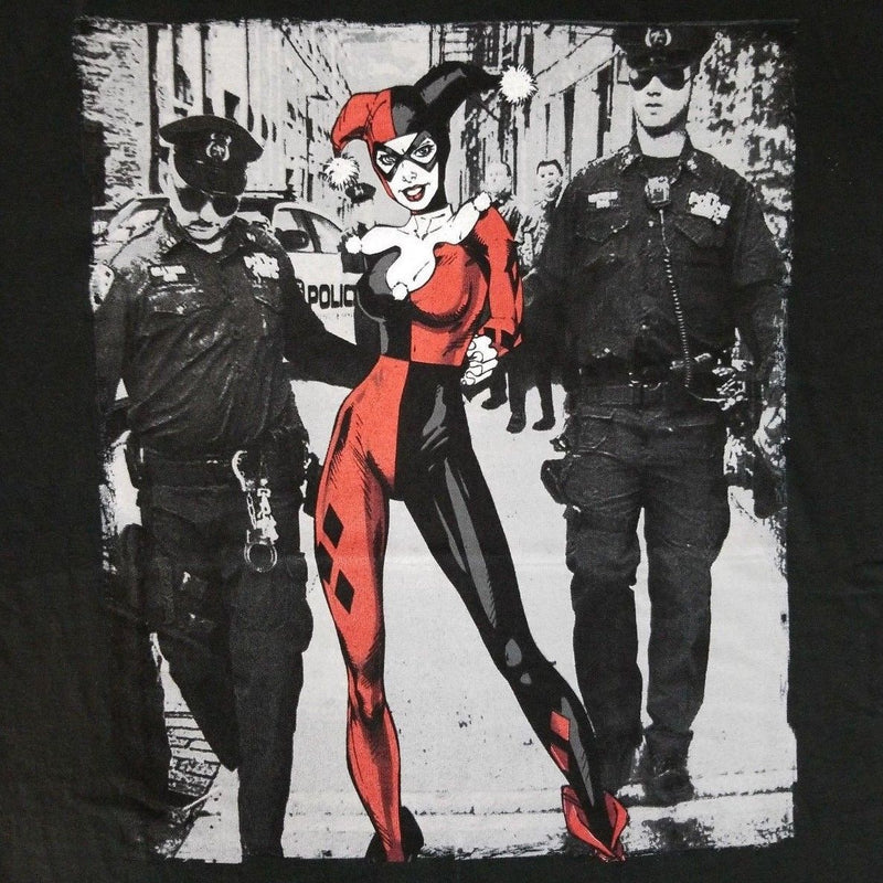 DC Comics - Harley Quinn - Perp Walk Adult Fitted T-shirt