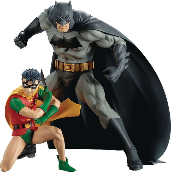 Batman and Robin Two Pack ARTFX+ Statue 1/10 Scale Pre-Painted Figure