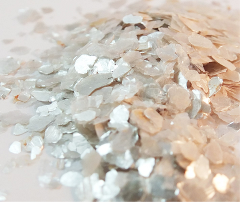 Natural Muscovite Flakes