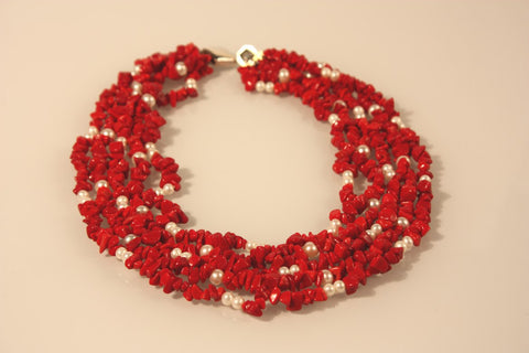 CORAL Chips & Pearl Necklace
