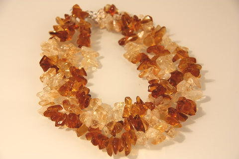 AMBER BANJO Necklace