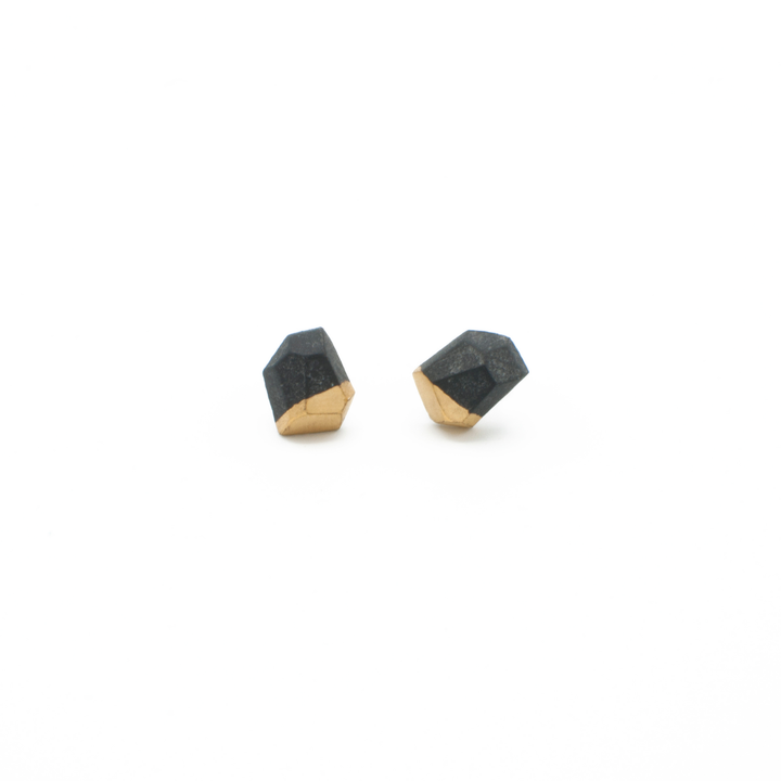 simple-stud-earrings-in-black-and-gold