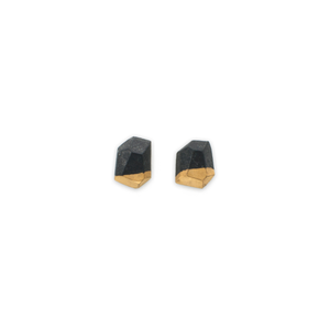 faceted-stud-earrings-carbon-handmade