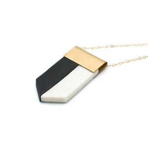long-geometric-pendant-black-and-white-porcelain