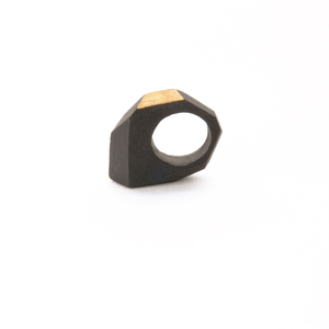 unique-sculptural-ring-black-porcelain