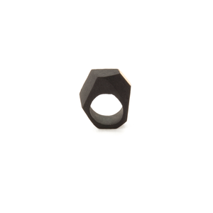 ceramic-ring-black-porcelain