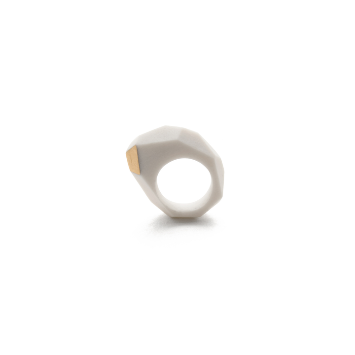 geometric-sculptural-ring-porcelain-and-gold