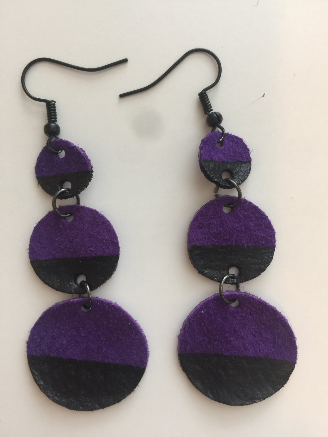 Black Painted Triple Circle Suede Purple Leather Earrings