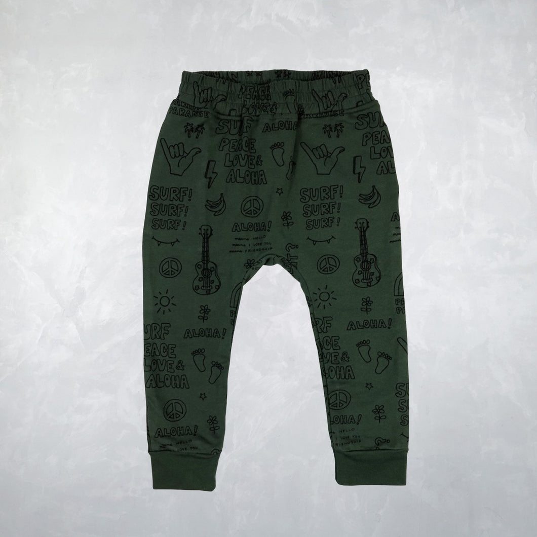 Guru Pant with Pockets in Outline Peace Dark Green