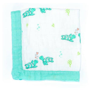Honu Honi Turtle Hawaiian Bamboo and Cotton blend Quilt