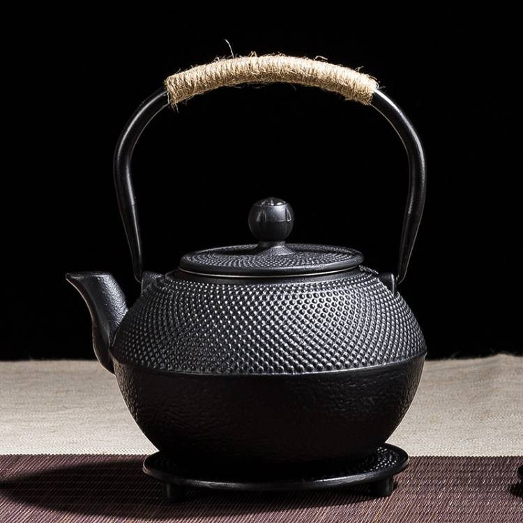 Nyunyuma Tea Pot