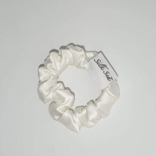 Silk Sea Luxury 100% mulberry silk scrunchie in ivory