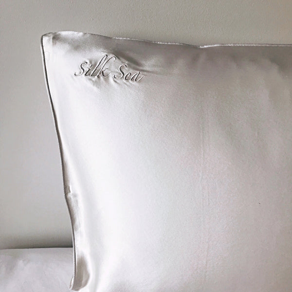 100% mulberry silk pillowcase in ivory