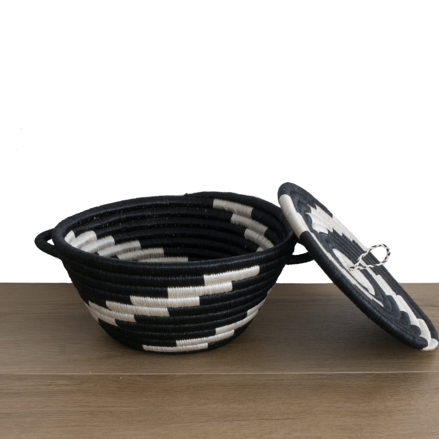 Twist Woven Pot Black and White