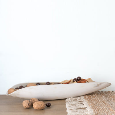 White / ivory coloured Ankole cow horn oblong dish with streaks of light brown