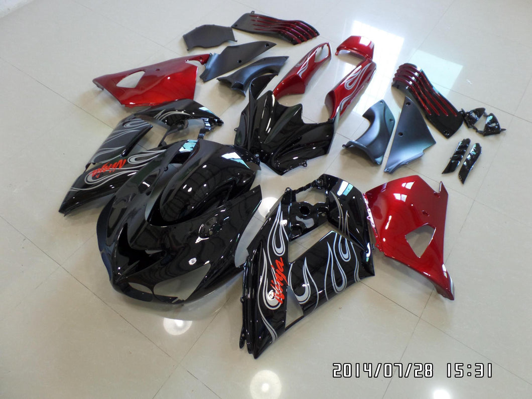 ZX 14R 2006 2011 BLACK ND RED SILVER FLAME