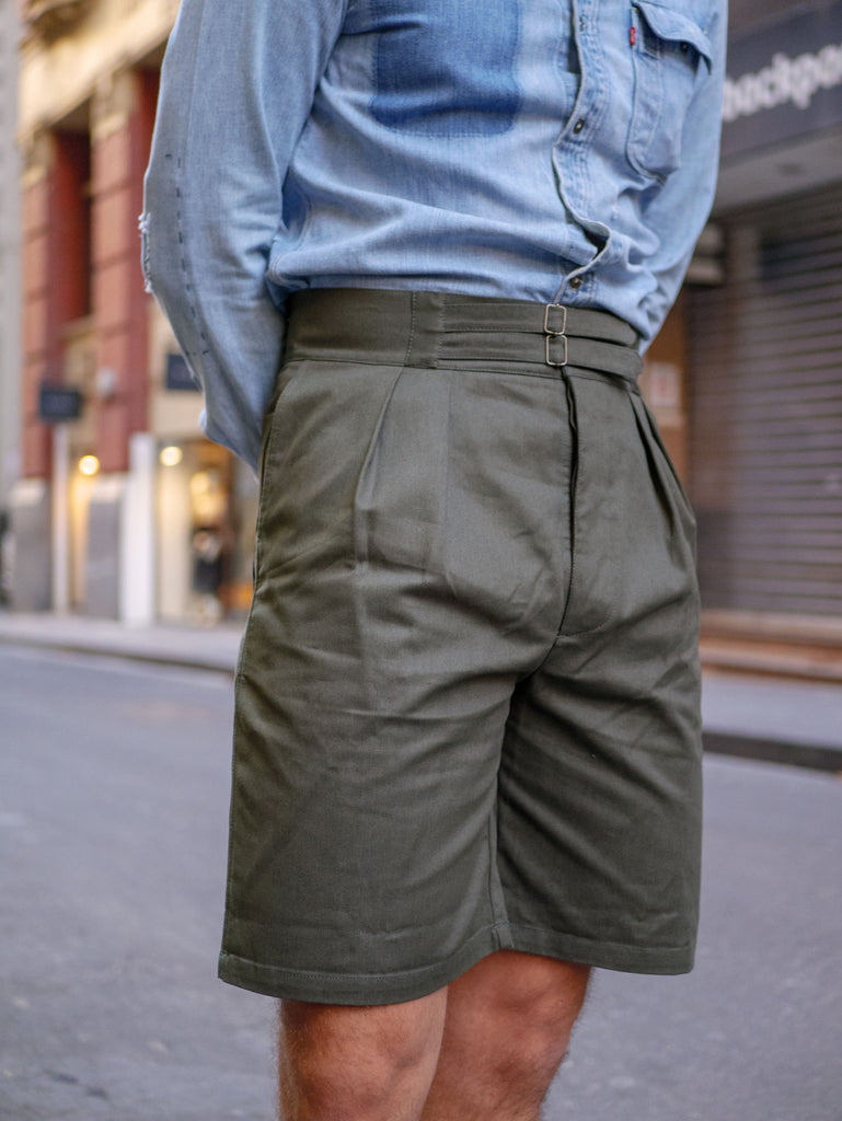 Close_Up_Of_Olive_Safari_Shorts_with_Vintage_Denim_Shirt_51_Label_Style_Talk