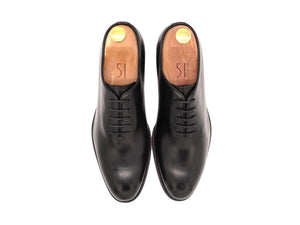 Top View of Mens Black Leather Wholecut Oxford Shoes