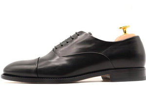 Side View of Mens Black Leather Cap Toe Oxford Shoes