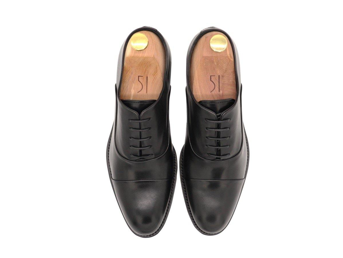 Top View of Mens Black Leather Cap Toe Oxford Shoes