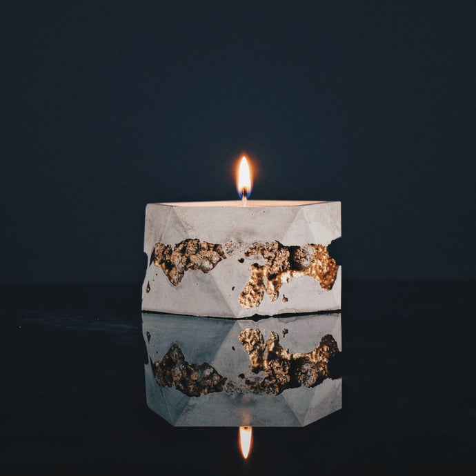 Goldstruck | Icosa Candle