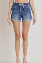 Elastic Band Cuffed Shorts