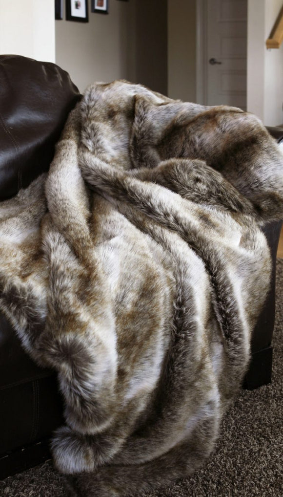 Chinchilla Oversized Faux Fur Throw