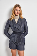 Load image into Gallery viewer, Tweed belted Jacket